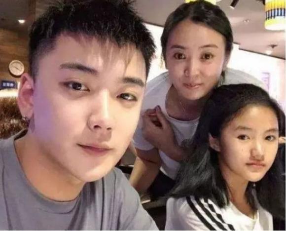 'Cô gái nông thôn xinh đẹp nhất' Trung Quốc giờ ra sao sau khi chuyển tới thành phố sống?