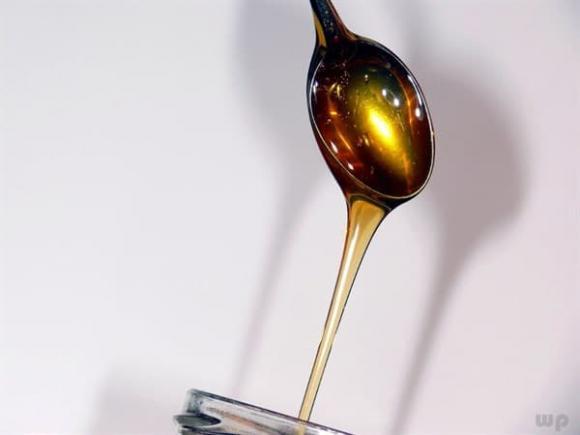 mật ong, pha mật ong với nước ấm hay lạnh, ai không dùng được mật ong
