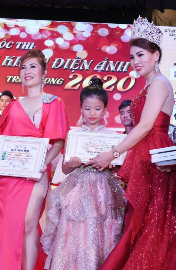 Nguyễn Ngọc Thảo Nguyên đạt giải đặc biệt gương mặt sân khấu điện ảnh triển vọng 2020
