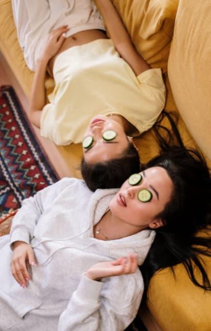 Phụ nữ đừng đắp mặt nạ trong 3 thời điểm này, còn hại da hơn thức khuya đấy!