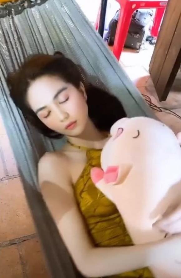 nữ hoàng nội y,người mẫu Ngọc Trinh,sao Việt