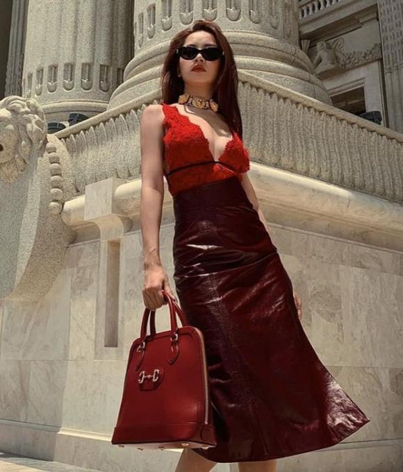 Khánh Linh The Face gây chú ý khi 'thả tim' bình luận gọi tên Chi Pu bằng biệt danh khiếm nhã