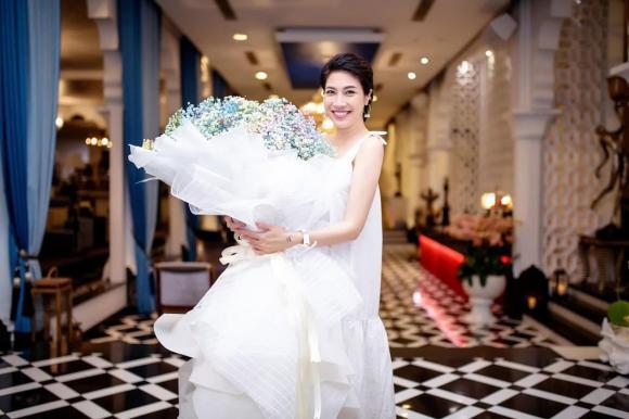 ca sĩ Pha Lê,vụ đáng ghen trên phố lý nam đế,sao Việt