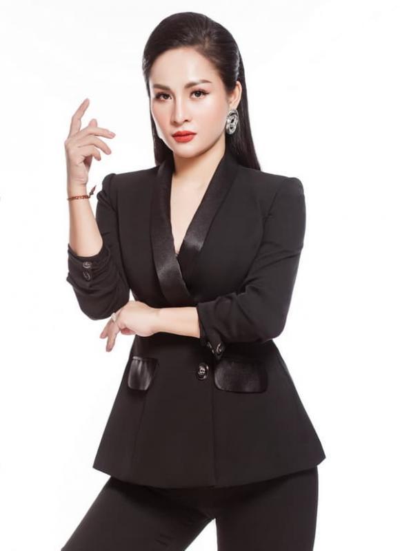 CEO Thuỳ Dương, Thẩm mỹ viện Lumos
