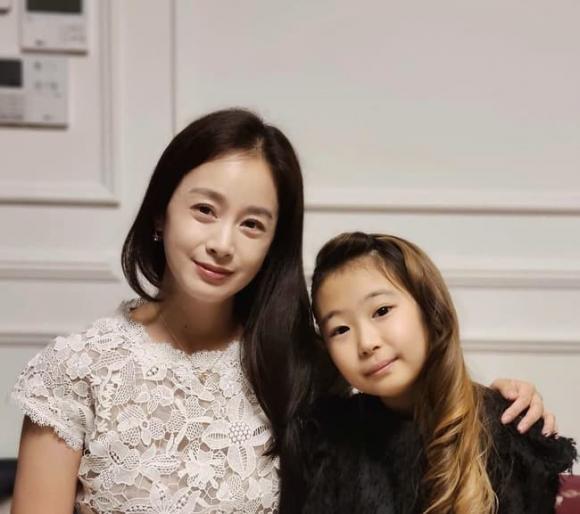 Kim Tae Hee,nhan sắc Kim Tae Hee,Bi Rain,vợ chồng Kim Tae Hee và Bi Rain,sao Hàn