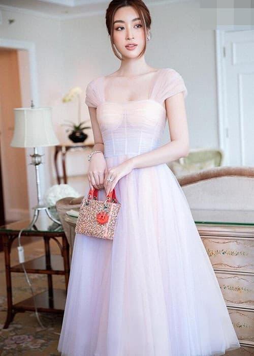 Hoa hậu Đỗ Mỹ Linh, Thời trang Đỗ Mỹ Linh, sao Việt
