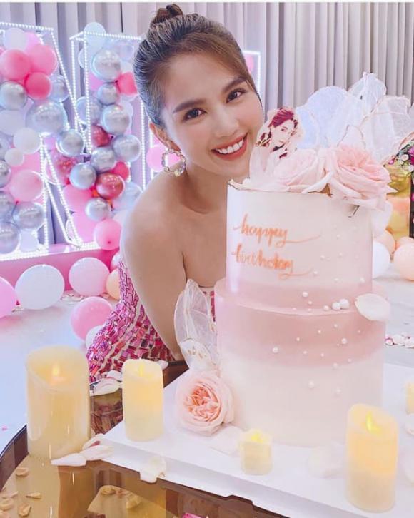 Ngọc Trinh, sinh nhật Ngọc Trinh, sao Việt