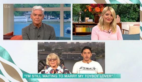 cặp đôi đũa lệch, trai trẻ yêu phụ nữ 80, chuyện tình đũa lệch