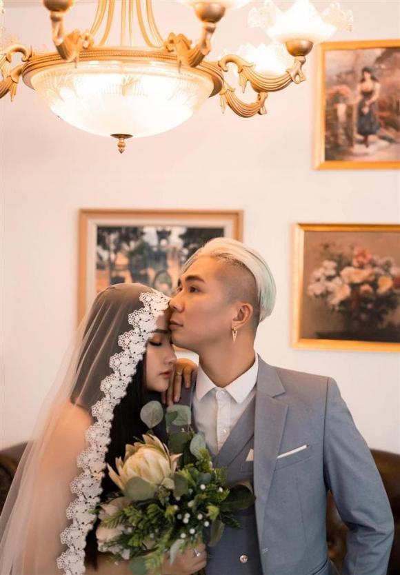 ca sĩ Khánh Đơn, sao Việt