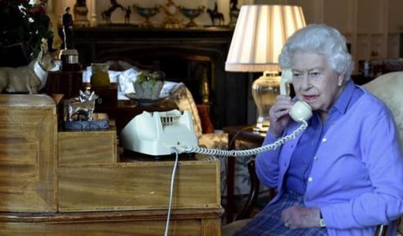 Công nương Diana tố chồng bội bạc trên truyền hình vì không chấp nhận làm bù nhìn