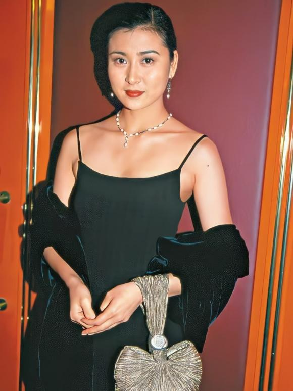 Ngô Tuyết Văn, sao Hồng Kông