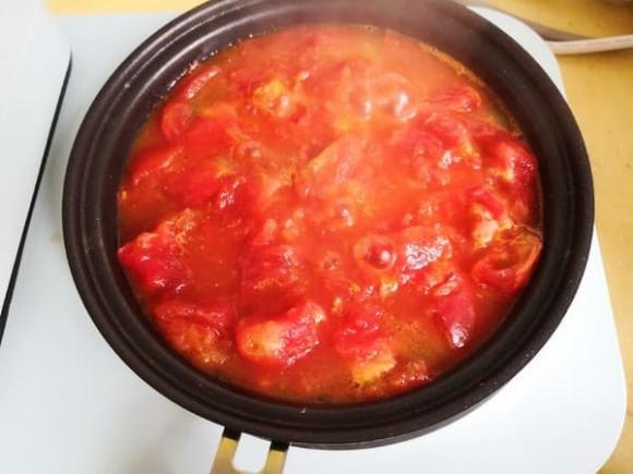 cà chua, trứng, thịt bò