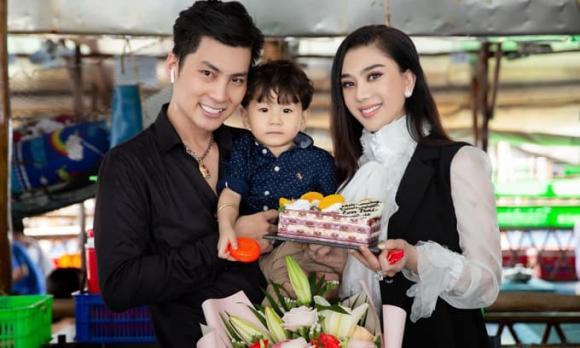 ca sĩ Lâm Khánh Chi, hoa hậu Hương Giang, sao Việt
