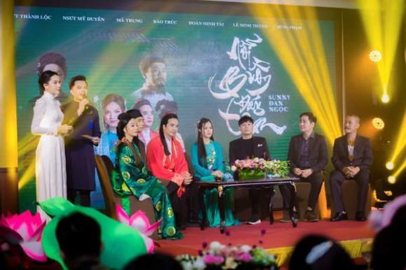 250 khách mời tham dự buổi ra mắt MV cổ trang của Sunny Đan Ngọc