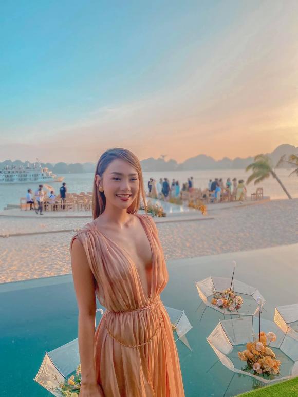Vietnamese Beauties: Model Thanh Hang nude photo
