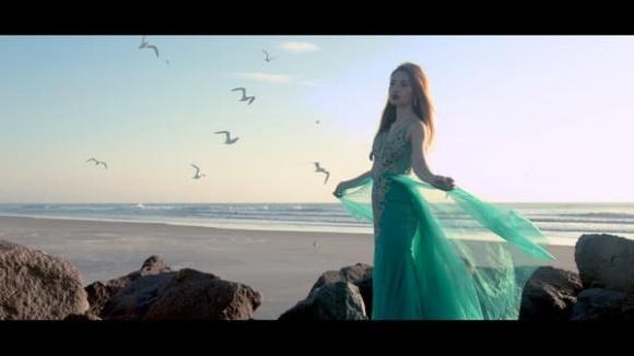 Huyền Thùy Trang ra mắt MV với cảnh quay tuyệt đẹp và giọng hát ngọt ngào