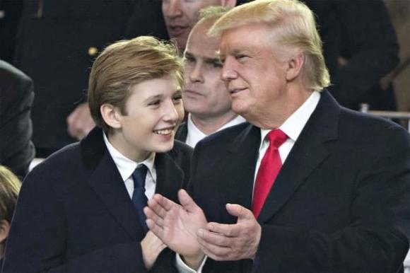 'Hoàng tử Nhà Trắng' Barron Trump dương tính với COVID