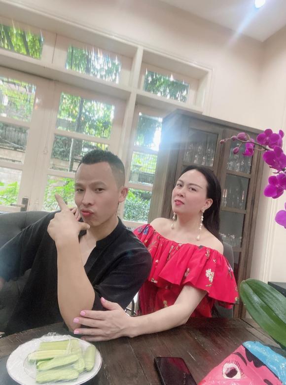doanh nhân Phượng Chanel, ông trùm chân dài Vũ Khắc Tiệp, sao Việt