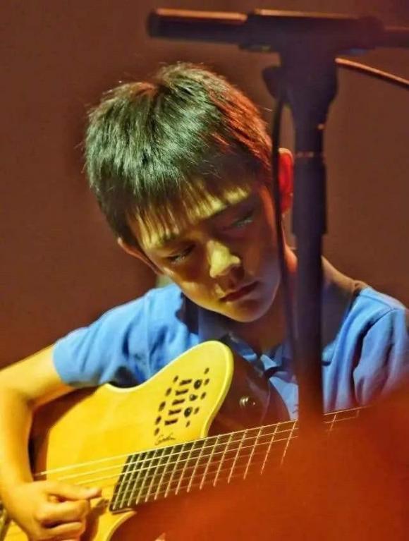 Nặc Nhất, Trần Quán Hy, con trai Lưu Diệp, sao Hoa ngữ