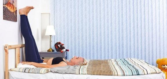 khó ngủ, tư thế dễ ngủ, làm sao khi mất ngủ