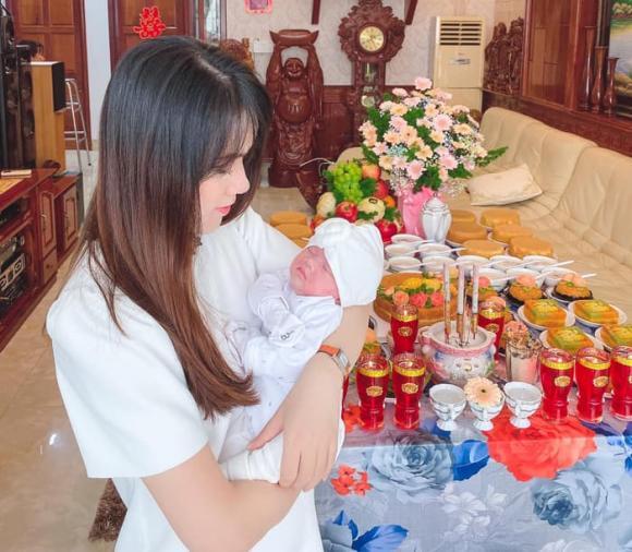 Chi Hoa, Chi Hoa sinh con, diễn viên Bước nhảy xì ti