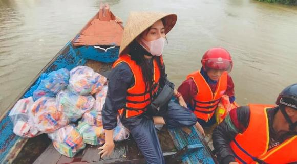 thủy tiên, cứu trợ miền trung, lũ lụt, vợ công vinh