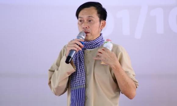 Hoài Linh, danh hài Hoài Linh, sao Việt ủng hộ miền Trung
