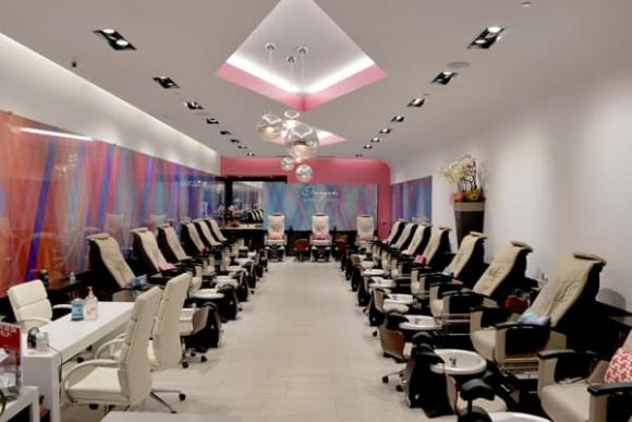 Images Luxury Nail Lounge, Nghề nail
