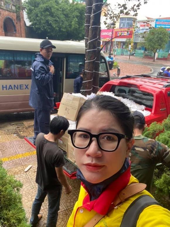 Trang Trần, người mẫu Trang Trần, sao Việt ủng hộ miền Trung