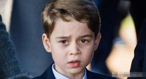 Hoàng tử George, hoàng gia anh, bảo mẫu