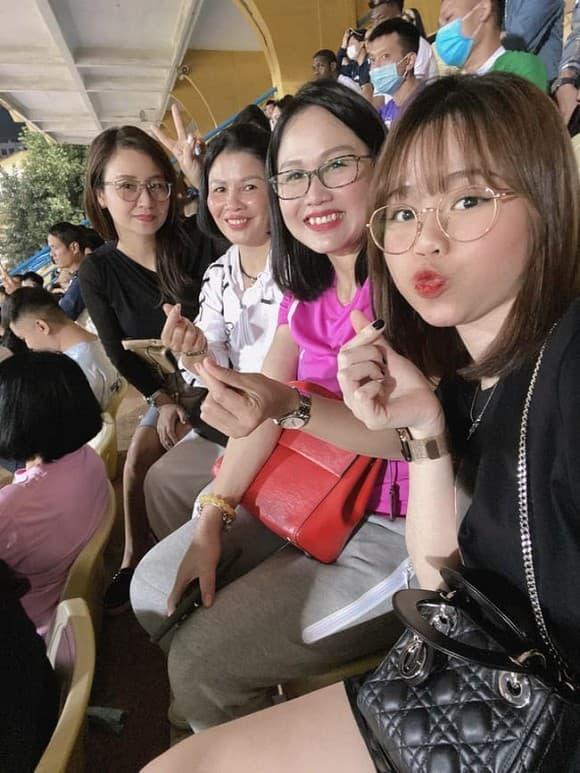 Huỳnh Anh, bạn gái Quang Hải, Huỳnh Anh và Quang Hải