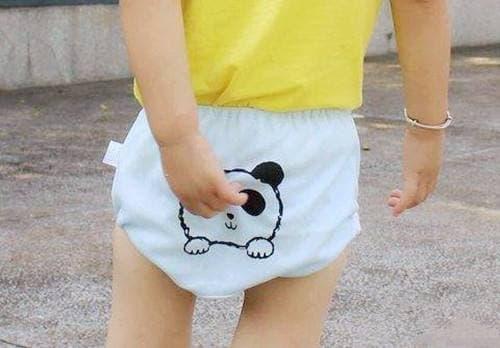 chăm sóc trẻ nhỏ, mặc đồ lót cho trẻ, lưu ý khi mặc đồ lót cho trẻ