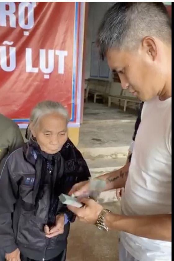 Thuỷ Tiên, Công Vinh, sao Việt
