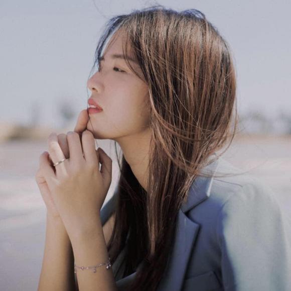 Hoa hậu Hương Giang, Trần Hồng Nhung, em họ Hương Giang