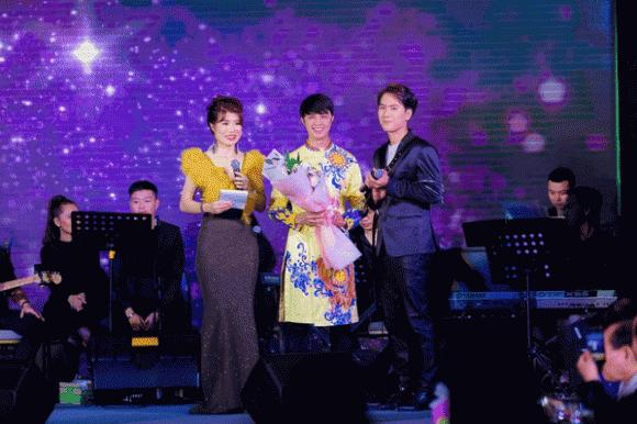 MC Thi Thảo, doanh nhân Làn Thu Thủy, đêm nhạc từ thiện