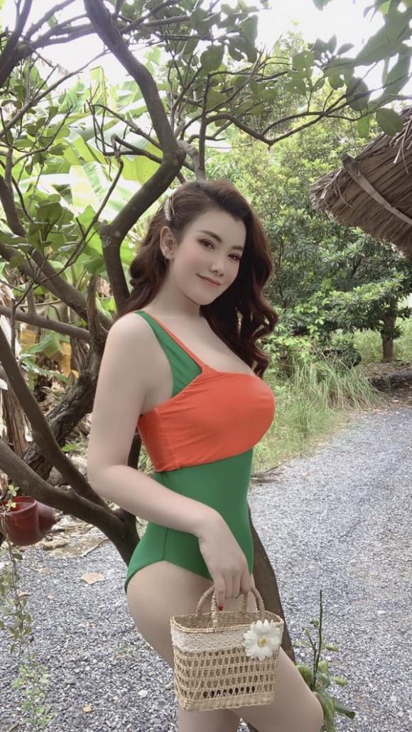 Người mẫu Linh Phương, ảnh sao việt