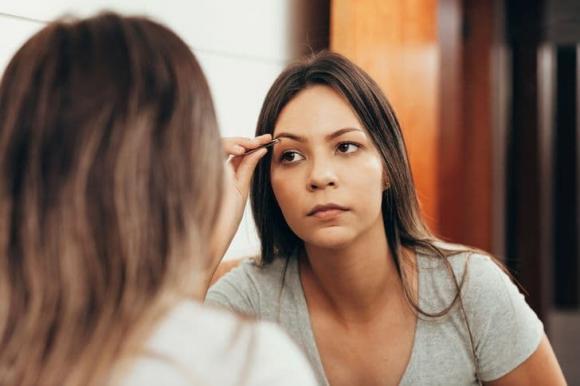 Xăm môi, xăm mày và những thay đổi về ngoại hình khiến nhiều người hối hận