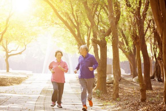 đột quỵ, dấu hiệu đột quỵ, chăm sóc sức khỏe người lớn tuổi