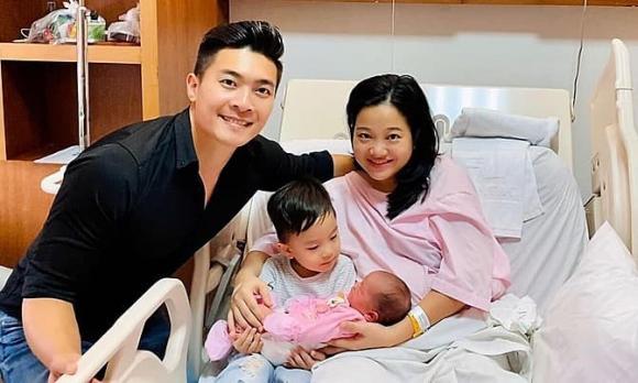 MC Hồng Phượng khoe dáng nuột với bikini, tiết lộ giảm 21 kg sau khi sinh con gái