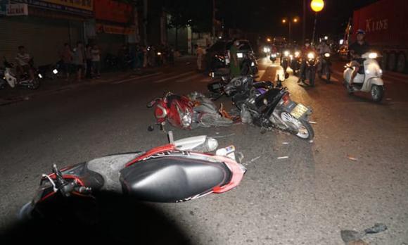 tai nạn giao thông, thanh niên, taxi, Hà Nội
