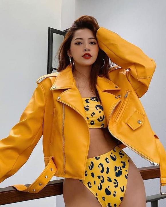 Tóc Tiên 'đụng hàng' với Chi Pu mẫu bikini có giá khoảng 500 ngàn đồng: Ai nóng bỏng hơn?