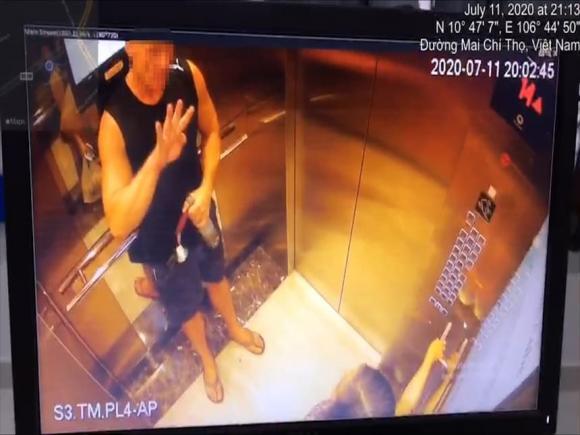 sàm sỡ, vỗ mông, phụ nữ, thang máy