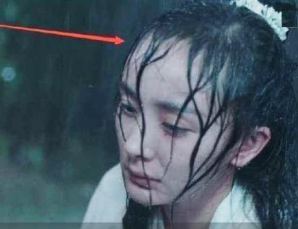 'Trán Dương Mịch cao cỡ nào?' - một cơn mưa cũng đủ tiết lộ tất cả