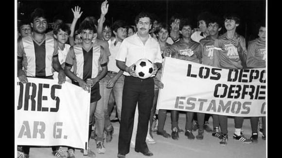 Diego Maradona, Maradona qua đời, huyền thoại bóng đá