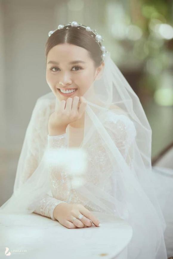 Á hậu Tường San,  Á hậu Tường San lấy chồng, ảnh cưới  Á hậu Tường San