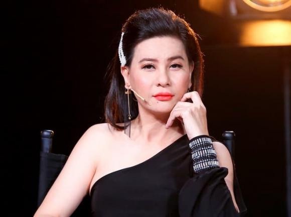 ca sĩ Thuỷ Tiên, nghệ sĩ Cát Phượng, sao Việt