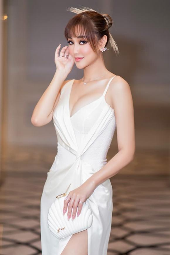 ca sĩ Maya, sao Việt