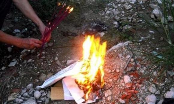 đốt tiền vàng, vàng mã, đốt giấy, nghi lễ tang