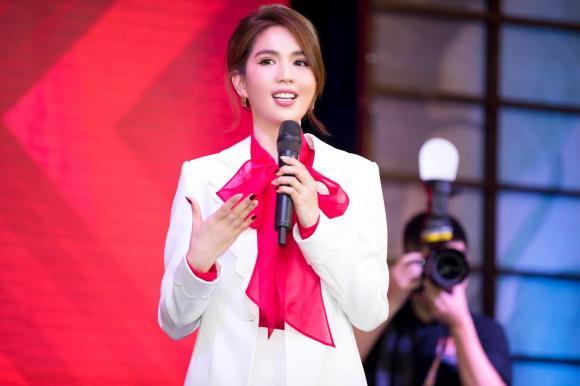 Ngọc Trinh, FC, Nữ hoàng nội y, người đẹp,