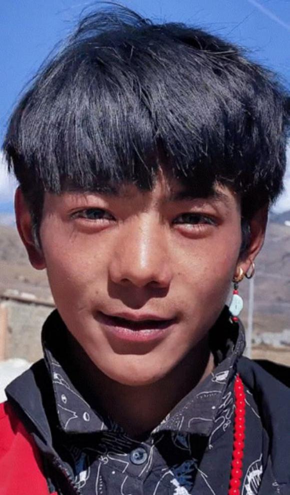 hot boy Tây Tạng, Đinh Chân, giới trẻ